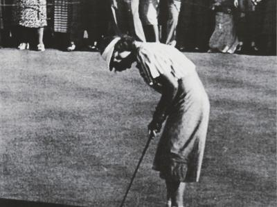 Babe Didrikson Zaharias on the 18th green during 1948 US Women's Open at ACCC