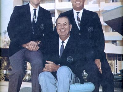 Leo Fraser, President of the PGA, right