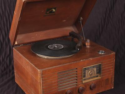 Early record player at Atlantic City Country Club