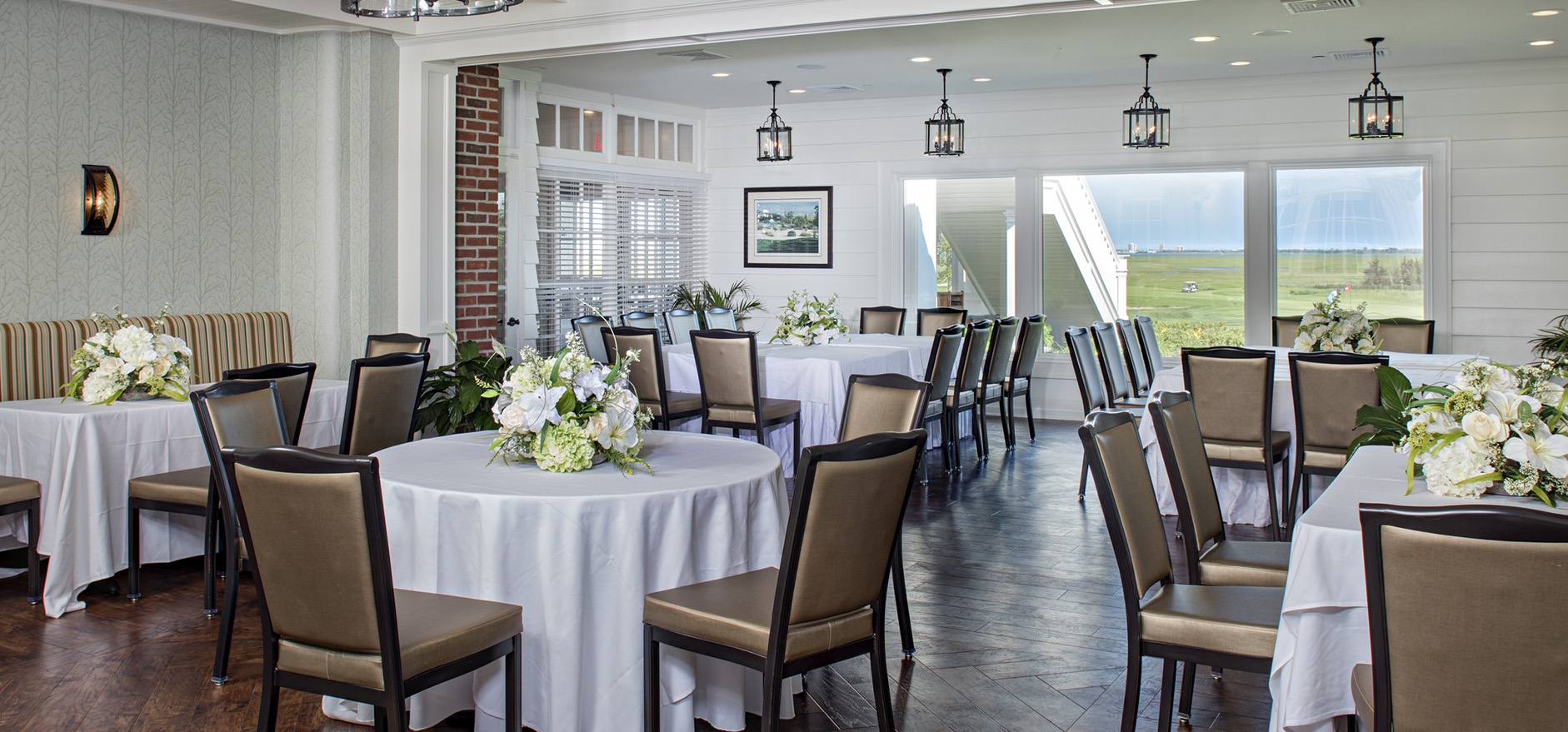 splendid golf outings and wedding receptions there is no more impressive setting as every window provides stunning views of the atlantic city skyline